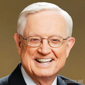 Image of Charles Chuck Swindoll